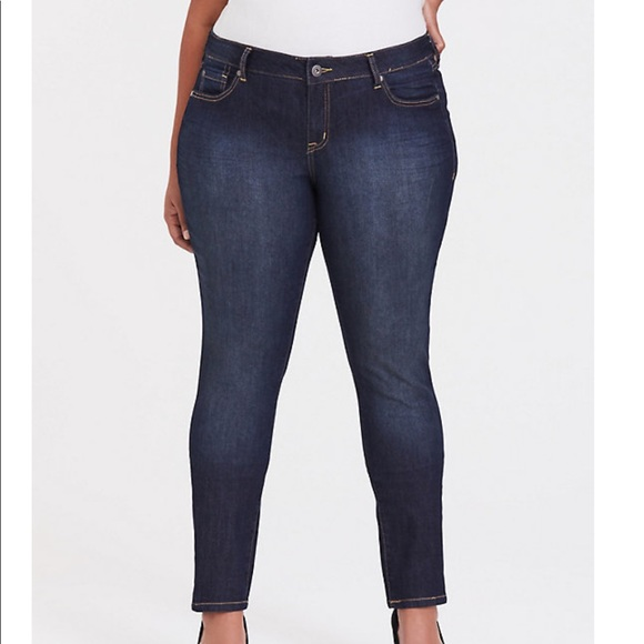 torrid Denim - Torrid 14 Medium Wash Curvy Skinny Jeans
